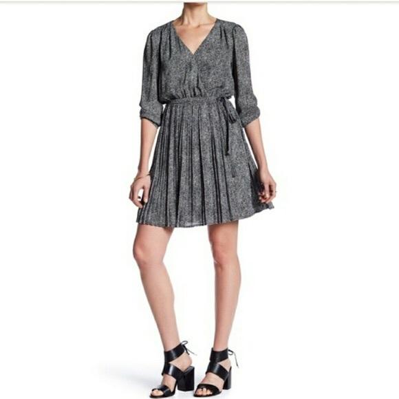 Daniel Rainn Dresses & Skirts - DR2 black and white pleated long sleeve dress